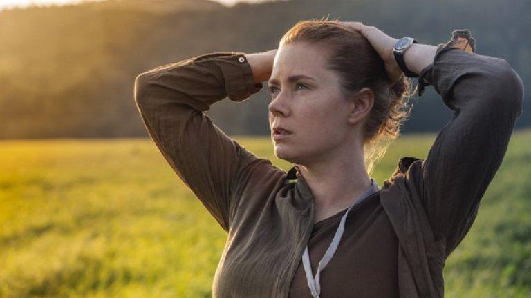 Sharp Objects   За пръв път проектът по едноименния роман на Гилиан Флин бе обявен от HBO още през 2014 г., а през 2016 г. започнаха снимките по него с Ейми Адамс в главната роля. Историята разказва за излязла наскоро от психиатрична клиника журналистка, която заминава за родното си място, за да разследва двойното убийство на две малки момичета. Там, освен да намери истината, трябва да се сблъска с вътрешните си демони и проблеми.