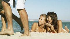 Огледайте се - има голяма вероятност да засечете доста от досадниците на плажа
