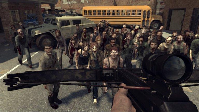"""The Walking Dead: Survival Instincts (PS3, Xbox 360, PC, Wii U)  Студиото Terminal Reality нямаше голям успех с лицензите, след като вече бе създало посредствени игри в лицето на Ghostbusters: The Video Game и Kinect Star Wars. Затова, когато се зае с хитовия ТВ сериал """"Живите мъртви"""", то се надяваше, че най-сетне ще може да постигне нещо добро.  Уви, играта бе пълна с бъгове, графиката изглеждаше доста слаба, а историята не можеше да бъде спасена дори с участието на актьорите Норман Рийдъс и Майкъл Рукър, които дадоха гласовете си на доста посредствените си дигитални версии. Terminal Reality затвори врати през 2013 г., а феновете все още чакат готин зомби екшън по сериала."""