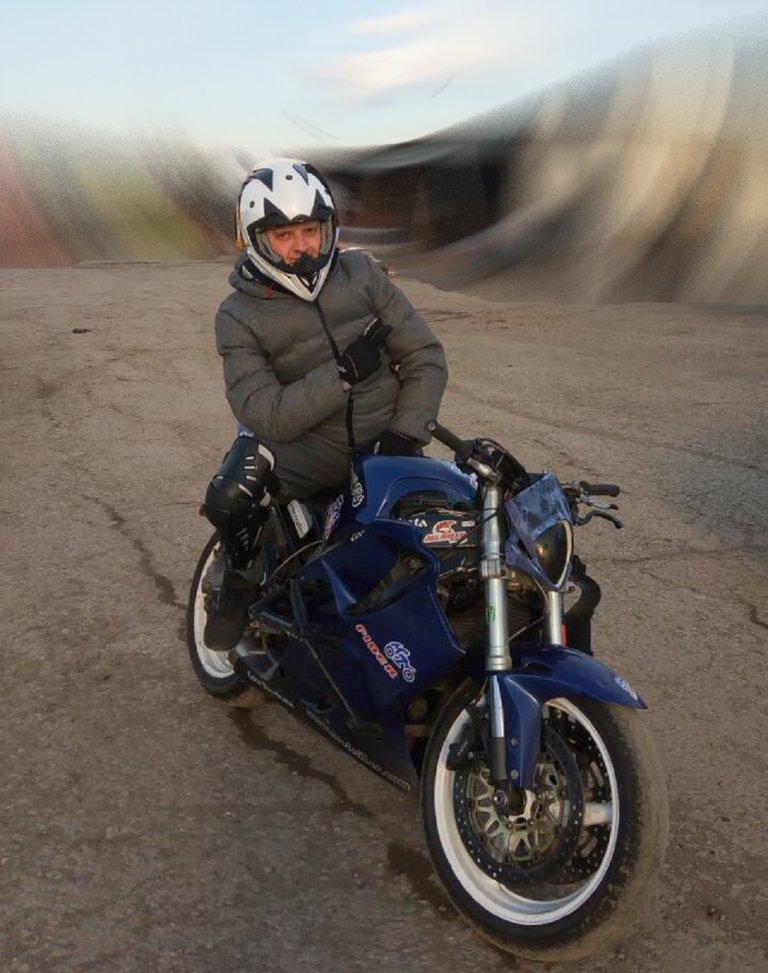 Моторите - едно от любимите хобита на Лилкин