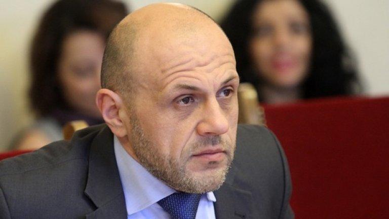 """""""Съжалявам да го кажа, но суровата истина е, че ако искаме да няма повече подобни кризи, ще трябва да отделяме повече пари - включително и за киберсигурност"""", каза още Томислав Дончев"""