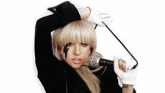 """Лейди Гага гушна и награди """"Брит'с"""""""