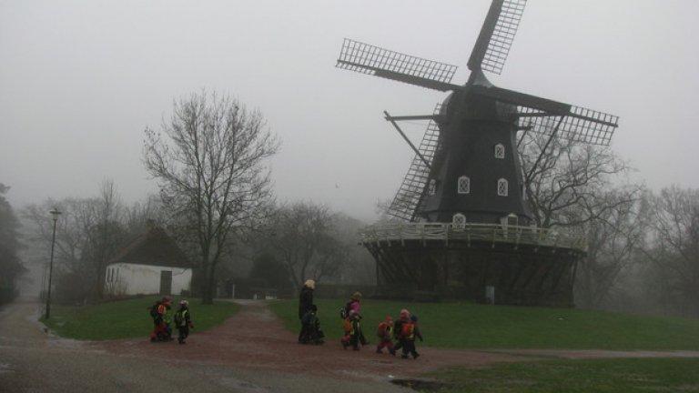 Времето в Швеция през уикенда беше с 15 градуса по-топло, отколкото в България. Мъглите обаче са задължителни в Малмьо, а и в Копенхаген.