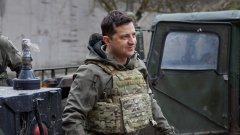 Украинският президент отправи призив към руския си колега за среща за мир. И все пак заявява, че е готов за война