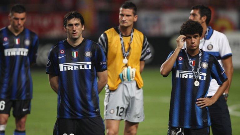 """Фелипе Коутиньо от Интер (2008-2013 г.) в Ливърпул, 13 млн. евро Въпреки че пристигна на """"Джузепе Меаца"""" като обещаващ 17-годишен талант, Коутиньо не получи много шансове в Интер. През 2013-а бе продаден в Ливърпул, където в момента е един от най-добрите играчи на """"червените"""". Със сигурност, в Интер съжаляват за това, че го изпуснаха толкова рано."""