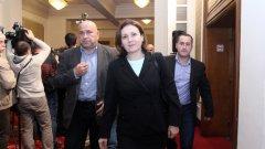 Румяна Бъчварова обеща, че между първо и второ четене на законопроекта, ще бъдат нанесени промени в спорните текстове, засягащи МВР