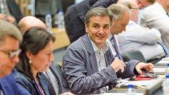 Финансовият министър на Гърция Евклидис Цакалотос очаква отговор от кредиторите днес