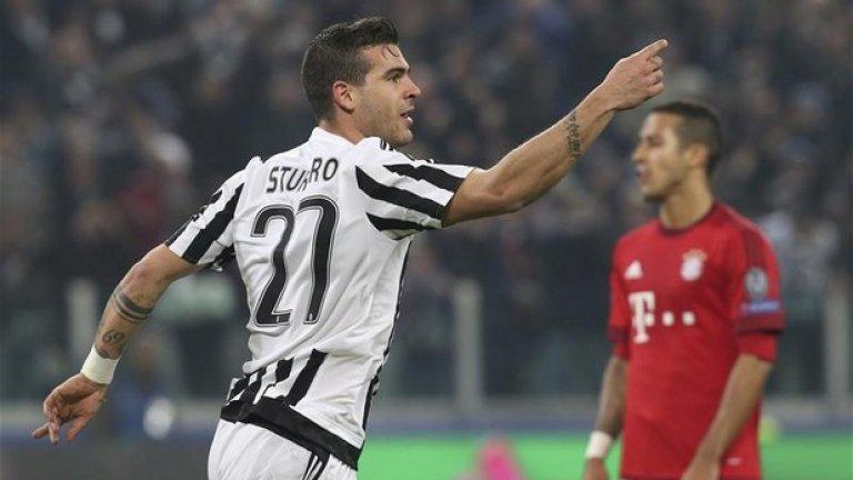 Стефано Стураро, Ювентус, 23 години Стураро показва страхотна игра в центъра и напомня за най-добрите изпълнители от миналото. Блесна и с представянето си в Шампионската лига.