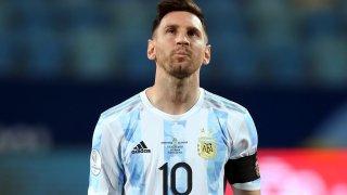 След толкова разочарования с екипа на Аржентина, той не се отказва да преследва мечтания трофей. Но на пътя му отново е Бразилия, както и във финала преди 14 години