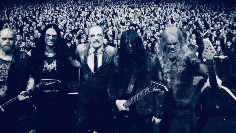 Музикантите от групата Bloodbath след концерт