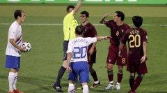 През 2006 г. на двубоя Португалия – Холандия (1:0) руският арбитър Валентин Иванов вади 16 жълти и четири червени картона, което е ненадминат и до днес рекорд на световни финали.