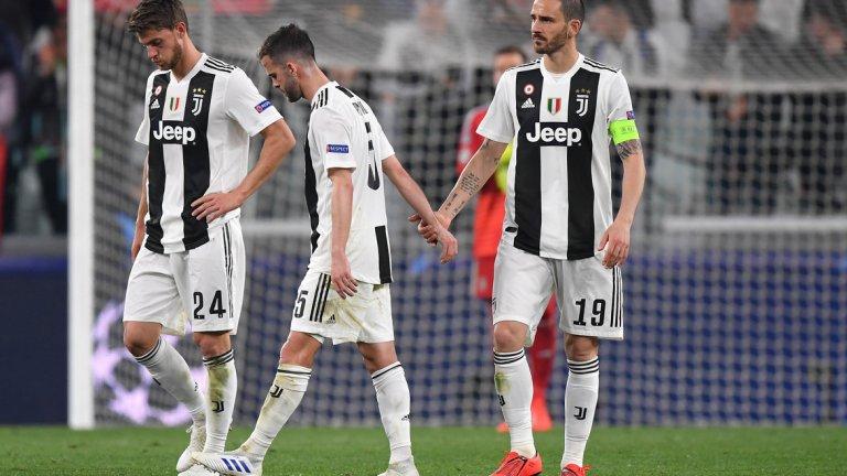 """Серия """"А""""  Миналата година Рома отстрани Барселона и стигна до полуфиналите в турнира, но този път само два италиански отбора преминаха групите и приключиха разочароващо в елиминациите. Вече споменатото отпадане от Аякс разклати шампиона на Италия Ювентус и това доведе до напускането на Макс Алегри в края на сезона. Рома не повтори подвизите си и приключи срещу преодолимия отбор на Порто на осминафиналите. Още груповата фаза се оказа непреодолима за Интер, макар """"нерадзурите"""" да стартираха силно и да бяха много близо до класиране вместо Тотнъм. Равенство срещу ПСВ Айндховен (който нямаше победа в групата) закопа тима на Лучано Спалети, докато четвъртият италиански отбор Наполи отпадна в """"групата на смъртта"""", макар че до един момент беше в отлична позиция срещу ПСЖ и Ливърпул."""