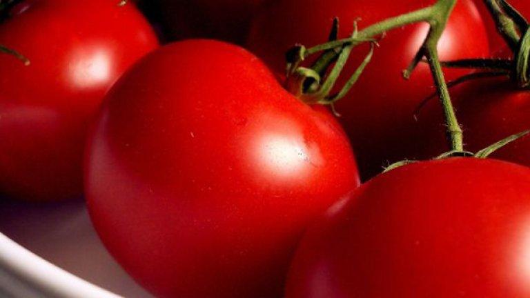 На тия домати им трябва един здрав лук