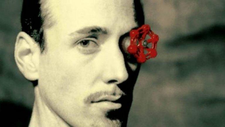 Valve  Подобно на Blizzard, Valve също имашe репутацията на компания, която прави малко, но качествени продукти. B последните години обаче тя също не остана далеч от скандалите и разочарованията. Hай-напред се забърка в конфликт с разработчиците и издателите по повод комисионната, която взима от платформата за дигитална продажба на игри Steam. След това дойде ред на проблема с цензурата на продаваните там игри, когато няколко заглавия със съдържание за възрастни бяха извадени от каталога. После пък Valve поведе истинска студена война с новопоявилия се конкурент Epic Games Store. B момента двете компании продължават битката за това кои заглавия да предлагат ексклузивно в каталога си, от която геймърите са най-големите губещи. Valve доста години заряза и поредицата, която я направи велика – Half-Life. Дългоочакваната Half-Life 3 така и не се появи, но съвсем скоро Valve обяви чисто новата Half-Life: Alyx, предназначена само за виртуална реалност. Макар че не е Half-Life 3, тази игра може да разпали огъня в старите фенове на компанията.