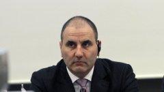 Параграф 12 в Закона за досиетата ще падне, връщане назад няма, заяви в парламента вътрешният министър Цветан Цветанов