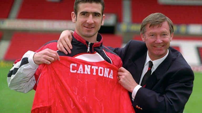 """Сър Алекс привества Ерик Кантона на """"Олд Трафърд"""". Французинът е привлечен за 1.2 млн. от шампиона Лийдс през 1992-а. Юнайтед нямаше титла от четвърт век, но френското вдъхновение води до 4 първи места в следващите 5 сезона. Кантона за вечни времена остава един от най-великите футболисти по английските терени."""