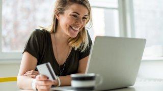 Нови функции на социалната мрежа правят пазаруването там още по-лесно