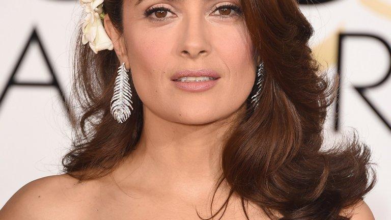 """Печелила е """"Златен глобус"""" като продуцент на """"Грозната Бети""""  Най-голямото отличие в кариерата си до момента Салма Хайек получава не като актриса, а като копродуцент на американския сериал """"Грозната Бети"""" (Ugly Betty), създаден по колумбийска сапунена опера със същото име. Тя все пак има роля като гост звезда в сериала, за която получава и номинация за """"Еми"""" през 2007 г."""