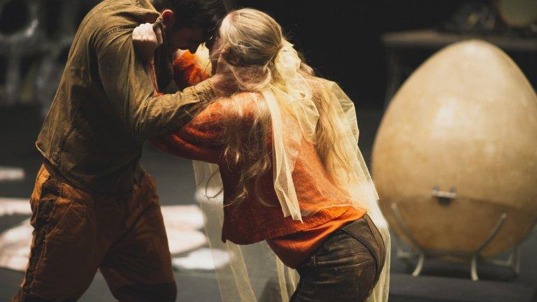 """""""Нарцис и Ехо"""" - заключителния спектакъл на стипендиантите на Национална стипендия """"С усилия към звездите"""" 2018, която подкрепя млади творци в различни сфери на изкуството."""