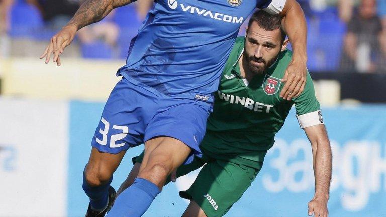Обертан записа 51 мача и 5 гола за Левски в Първа лига