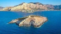 Мечтали ли сте си някога да имате свой самотен остров?