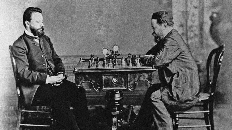 Вилхем Щайнц (вдясно) е първият официален световен шампион по шахмат.