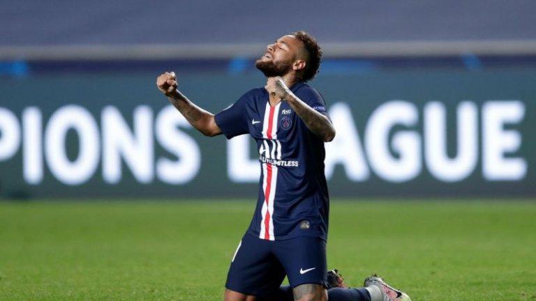 Парижани спечелиха с 3:0, а след края на двубоя бразилската звезди си размени фланелката със защитника на германския тим Марсел Халстенберг.