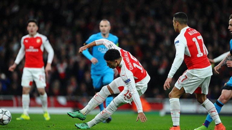 Алекс Окслейд-Чембърлейн (Англия). Макар че още не се бе наложил като основна фигура в Арсенал, националният селекционер Рой Ходжсън харесваше качествата му и го включи в групата си за Евро 2012 и за Мондиал 2014. Две поредни травми на коляното обаче сложиха точка.