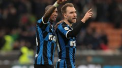 Ериксен и Ашли Йънг поздравяват феновете на новия си отбор след победата