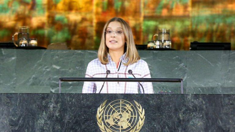 """И още рекорди...   Отново през 2018 г. тя става и най-младият Посланик на добра воля на УНИЦЕФ. И до ден-днешен актрисата изпълнява съвестно задълженията си и е особено ангажирана в кампанията """"Go Blue"""", която цели защита правата на децата и превенцията на насилие над деца."""