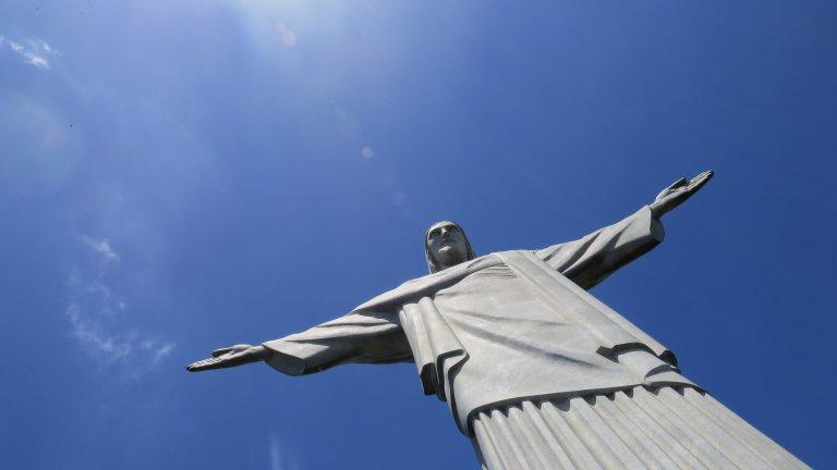 Бразилия: 14,44 милиона заразени и без руска ваксина