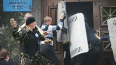 Украинската власт обяви, че за насилието в Одеса са отговорни руските служби за сигурност, за да отклонят вниманието от антитерористичната акция в Славянск