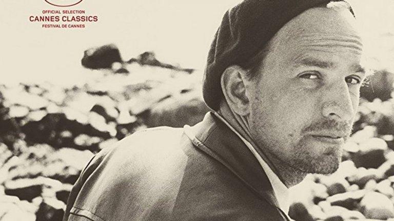 """7. Bergman — A Year in a Life  Документалният портрет на режисьора Ингмар Бергман е един от най-искрените портрети на кинотворец, който ще видите някога. Филмът разглежда целия живот и кариера на Бергман, но се фокусира върху годината 1957-а, когато той за пръв път се изкачва на върха. Режисьорът Джейн Магнюсън разказва за това как Бергман е създал един балон от алтернативна реалност, в който е живеел: невротична приказка, която никога не е трябвало да свършва. """"A Year in a Life"""" улавя гения на режисьора и духа на историите, които е имал нужда да разкаже."""
