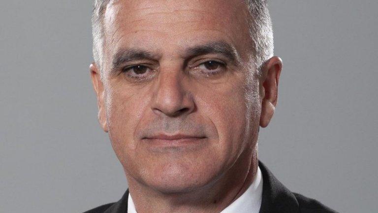 Президентът Румен Радев назначи ново правителство и разпусна 45-ото Народно събрание