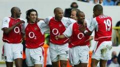 Въпреки че отпаднаха на полуфиналите и четвъртфиналите съответно за ФА къп и в Шампионската лига, този отбор на Арсенал остава един от най-великите в историята на Висшата лига.