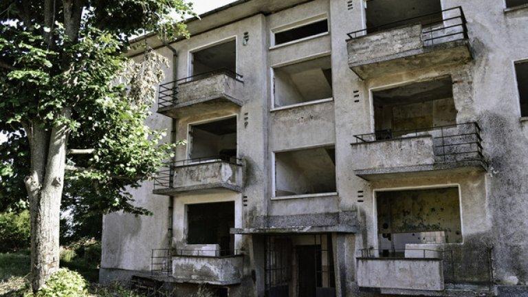 В тези зловещи постройки някога са живели семействата на военните.