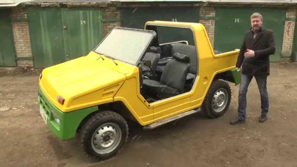 """""""Бора""""Идеята за нещо, наподобяващо SUV, което би трябвало да е подходящо за яко офроуд шофиране, се появява в средата на 90-те. """"Бора"""" е дело на ВАЗ и е предназначена за износ към страни от Южна Америка и Близкия Изток. Колата се хвали с 80 конски сили и олекотена каросерия и всъщност от Обединените арабски емирства действително проявяват засилен интерес. По неизвестни причини обаче от """"Бора"""" са произведени едва две бройки."""