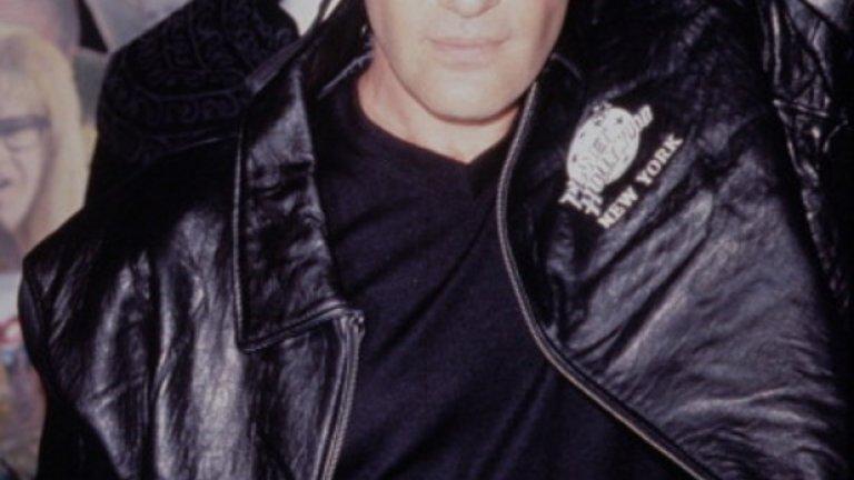 """""""Маската на Зоро"""" излезе през 1995-та година и направи от Бандерас световноизвестна звезда. През 2005-та, той засне и продължение: """"Легендата за Зоро"""""""