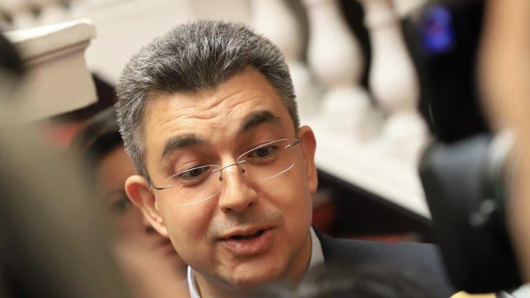 Все още се водят преговори с ДБ и ИБНИ за подкрепа за кабинета