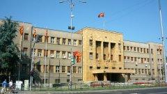 Албанци поеха отговорност за нападението над паметника, никой не е поел отговорност за издигането му