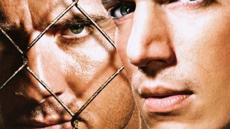 """""""Бягство от затвора"""" (Prison Break)  Тук първоначалната концепция е на ниво. Линкълн Бъроуз е в затвора и е осъден на смърт. Брат му - Майкъл Скофийлд, използва гениалната си инженерна мисъл, за да изгради план за спасяването му. Майкъл татуира върху тялото си плановете на затвора и извършва обир, за да попадне там и да измъкне брат си.  Всичко хубаво - историята определено работеше за един сезон. А после? После започна рециклирането на тази идея до степен на абсурд."""