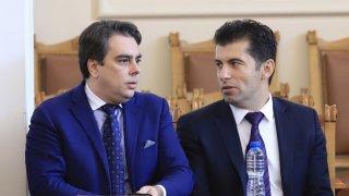Новият политически проект на Кирил Петков и Асен Василев е факт, но покрай него има твърде много неизвестни