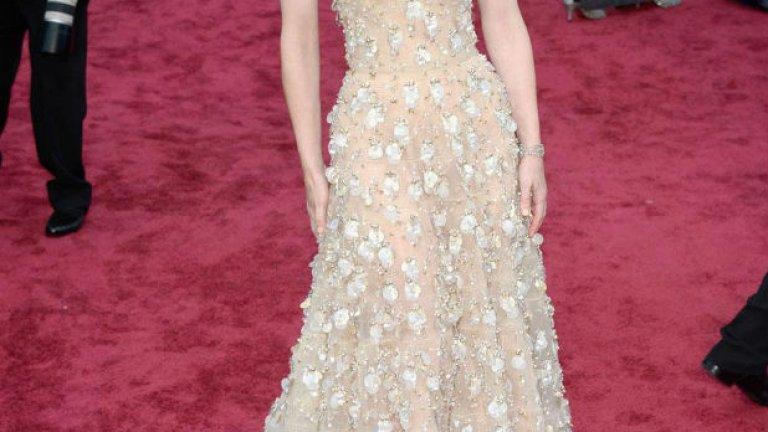 На червения килим беше пищно както винаги. Най-обрата актриса на Академията Кейт Бланшет беше и сред най-елегантните