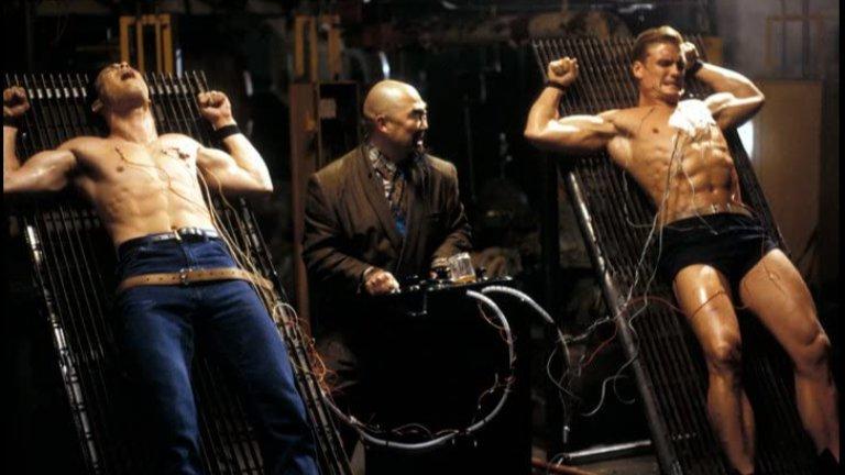 """Showdown in Little Tokyo / """"Конфликт в Малко Токио""""  В тази buddy cop класика Долф Лундгрен си партнира със сина на Брус Лий - Брандън, за да се изправят срещу японската Якудза в САЩ. Двамата имат доста различен стил за справяне с противниците си - докато Лундгрен използва грубата си сила и размери, Лий залага на бързината и гъвкавостта си. Двамата се допълват повече от добре в екшън сцените, които сами по себе си са доста разнообразни. В един момент Лундгрен вдига сам цяла кола, а в следващия вече размахва самурайски меч, докато през цялото време Лий рита по главите останалите лоши. Непретенциозен екшън кеф."""