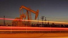 Петролът мина психологическата граница от 50 долара на барел