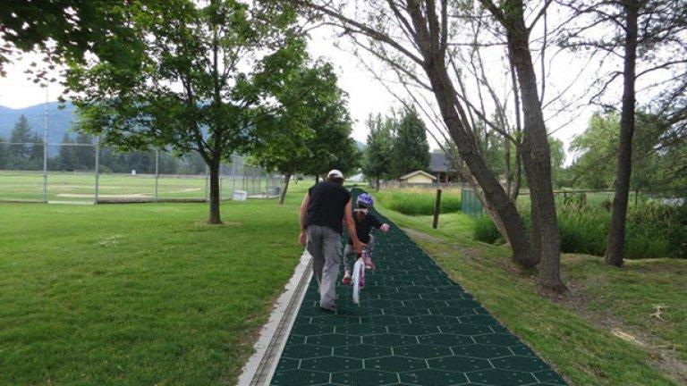 Така би изглеждала вело-алея със соларното покритие