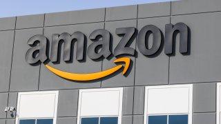 Договорът между двете фирми означава и че Amazon тепърва ще акцентират на стрийминг платформата си