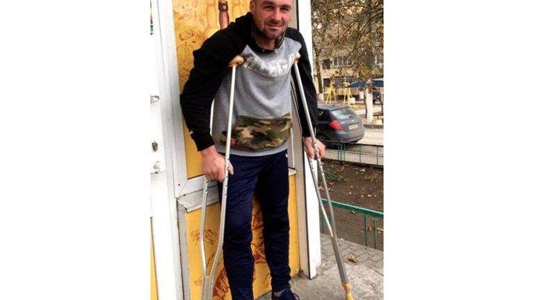 """""""Казвам се Дмитрий. Заварчик. Избягах на стюардите със счупен крак и се снимах с нашите"""""""