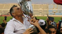 Буняк спечели трофеи в Кувейт и Ливан.