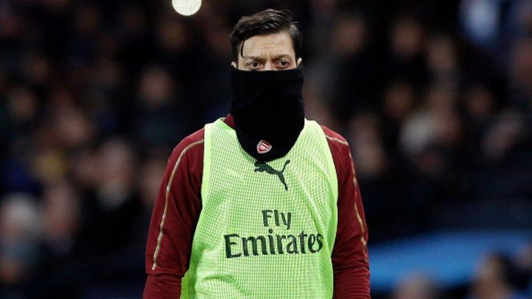 """1. Месут Йозил Най-скъпо платеният футболист в историята на Арсенал даде по-малко асистенции от Начо Монреал през този сезон. С всяка следваща година формата на германеца спада значително и е време """"артилеристите"""" да се разделят с него, още повече след разочароващото представяне във финала на Лига Европа. Дори и да не вземат много пари от него, ще освободят сериозни финанси от заплатата му."""